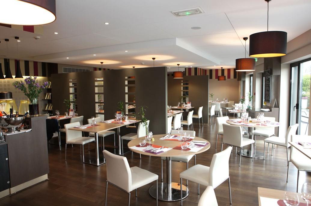 Salle principale du restaurant L'Atelier de Jacques, la brasserie Erisay